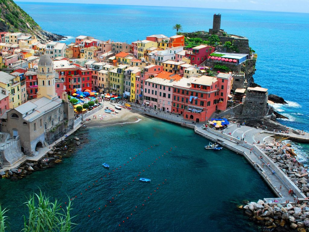 Conheça as terras de Cinque Terre, famosa vila da Itália