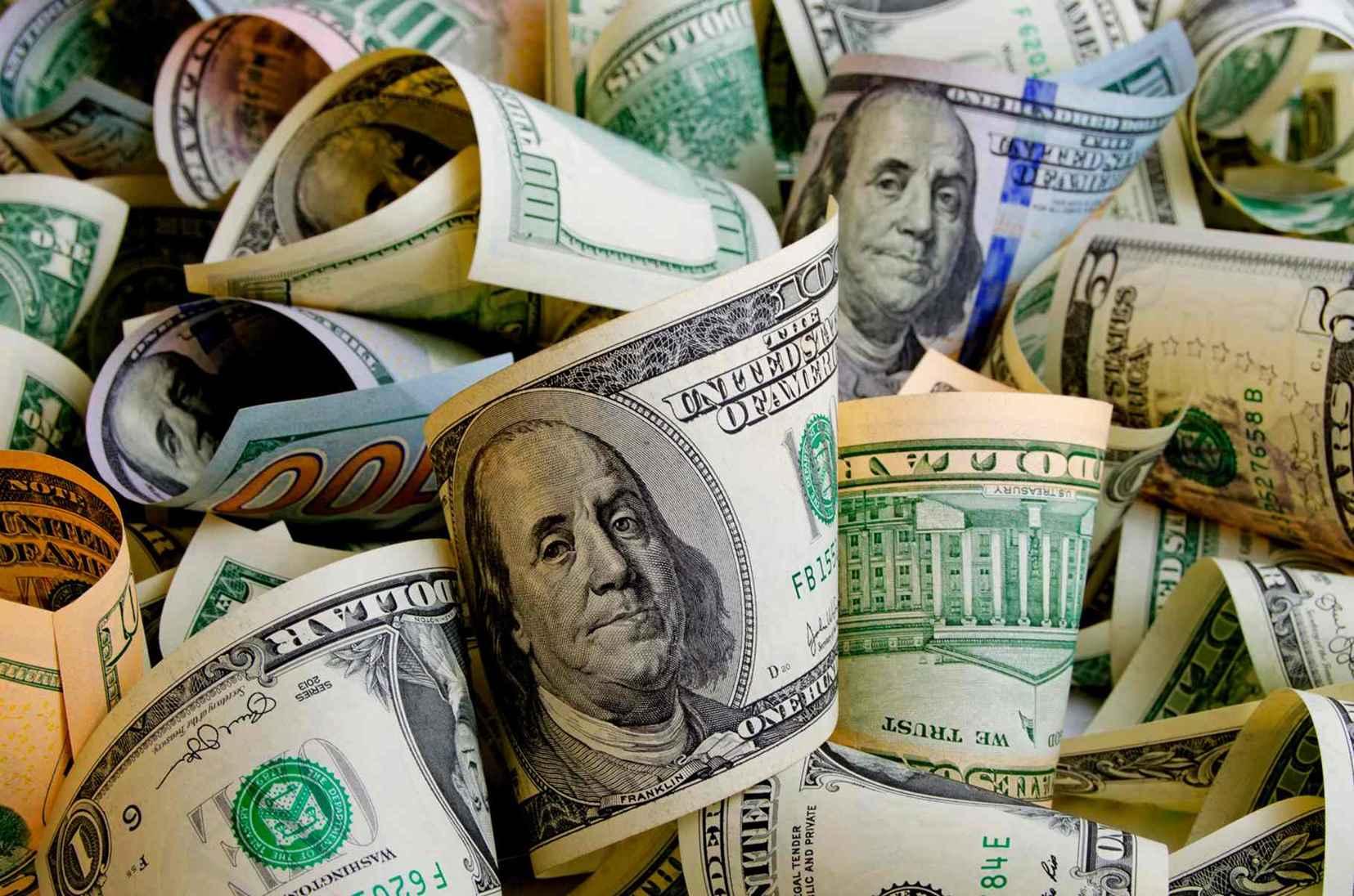 Qual a diferença entre dólar comercial, turismo e paralelo