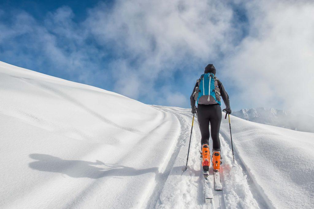 Viagem para esquiar na neve