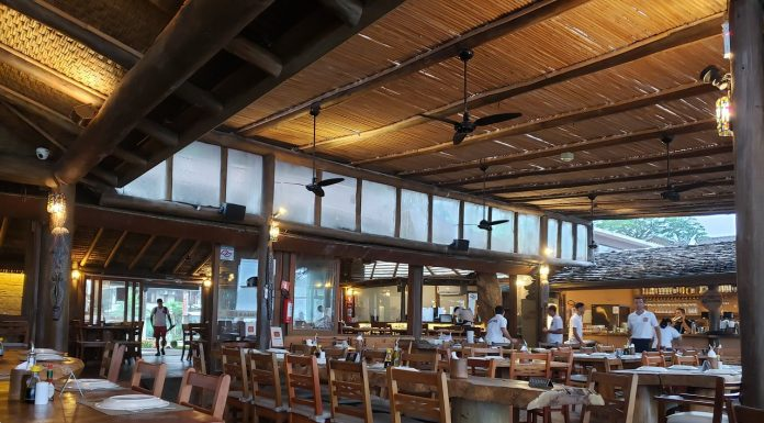 restaurante em Camburi